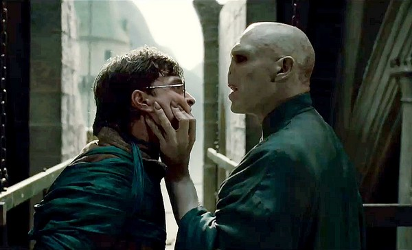 Harry-Potter-vs-Voldemort-Deathly-Hallows-2